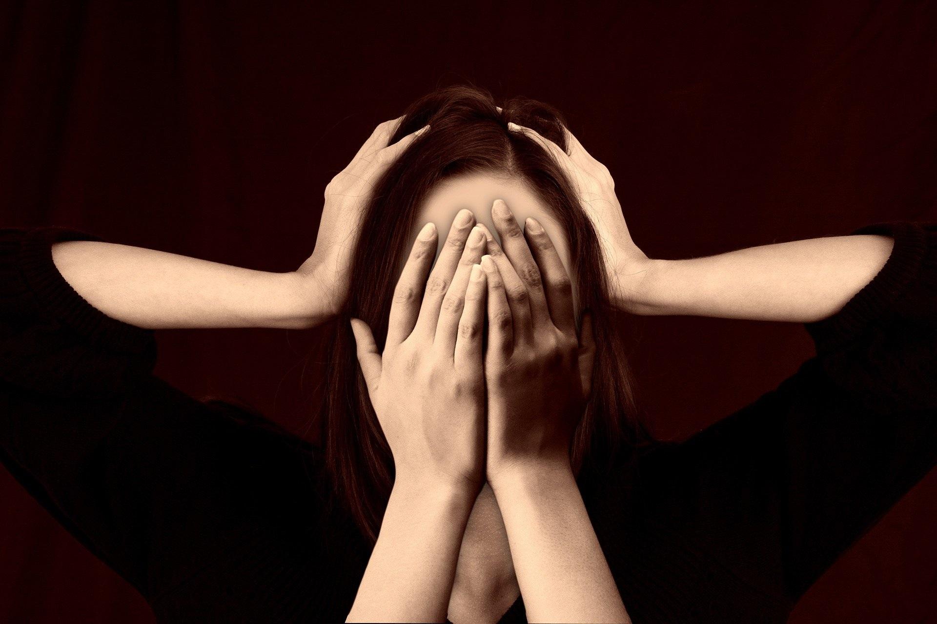 Was ist abdominale Migräne: Ursachen, Symptome, Diagnose und Behandlung